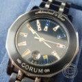 CORUMコルム 3923030 V585 アドミラルズカップ  ガンブルー ステンレススチール クオーツ腕時計の買取実績です。