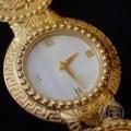 Versace ヴェルサーチ 7008002 メデューサ コインウォッチ ゴールド  クォーツ腕時計の買取実績です。