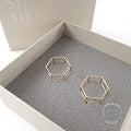 SIRI SIRI 【シリシリ】K18 COMPOSITION Earrings LINE HEXAGON ヘキサゴン型ライン ピアス