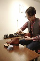 とても嬉しいお声ありがとうございます。お客様からこうしたお声を頂けて本当に嬉しいです。革靴をはじめ、スニーカーなど多くのアイテムが買取対象です。その中でもジョンロブはもちろん靴に関して日頃からは勉強させて頂いておりますのでお持込頂ける全ての靴が査定対象商品です。是非革靴からスニーカーまでどんな靴でもお見積りをしますのでどうぞお持込下さい。