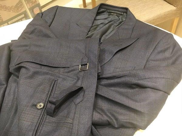 アルマーニのウール メンズスーツ サイズ46の買取実績です。