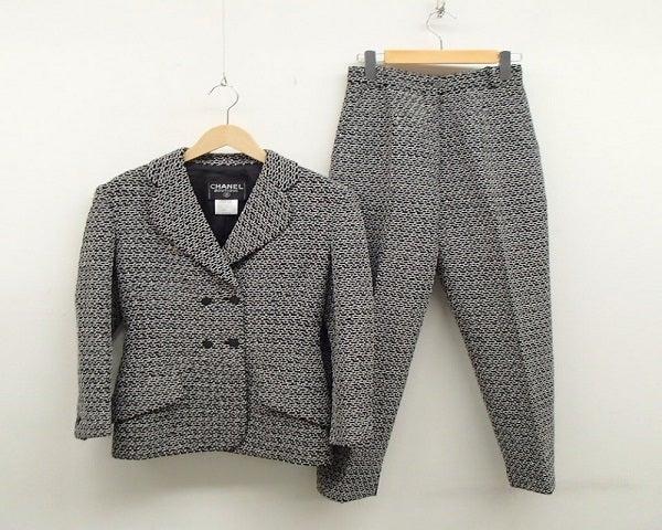 シャネルの98年製 ツイード スーツの買取実績です。
