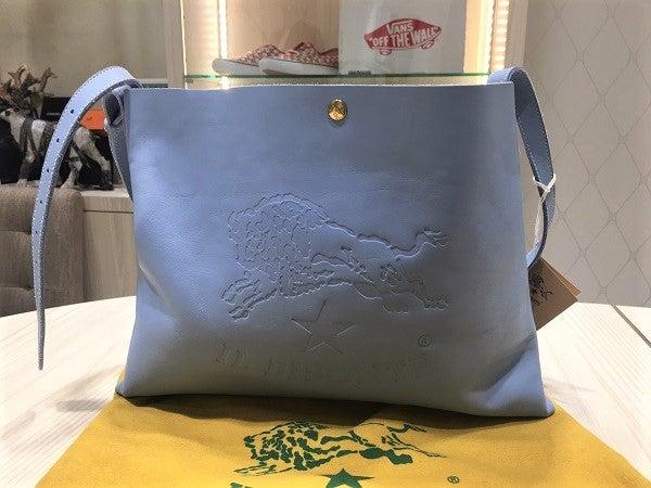 イルビゾンテの青 ショルダーハンドバッグの買取実績です。