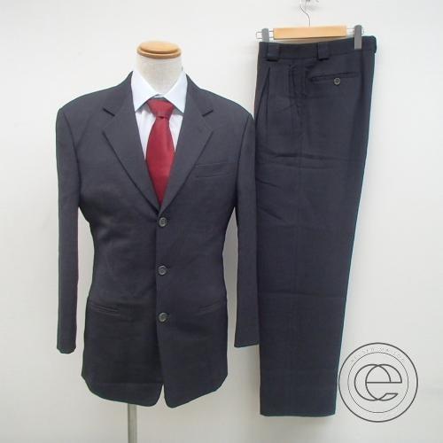 アルマーニのシングル3つ釦スーツの買取実績です。