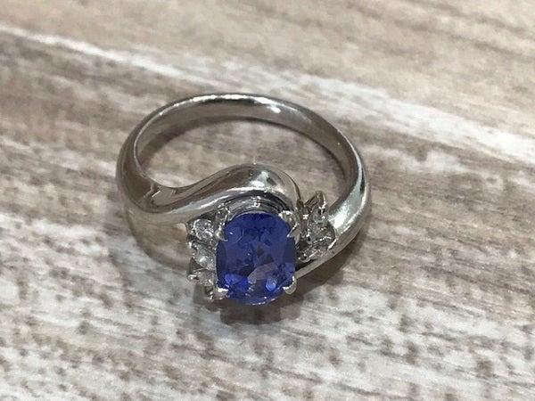 タンザナイト(tanzanite)のリングをお買取いたしました。