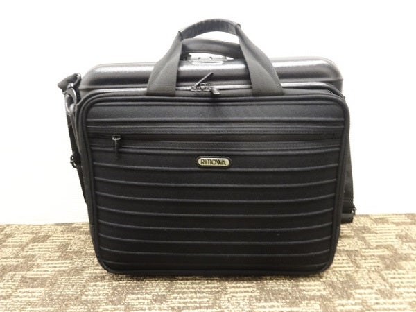 リモワ(RIMOWA)のボレロショルダーアタッシュフライトバッグを買取致しました。エコスタイルです。