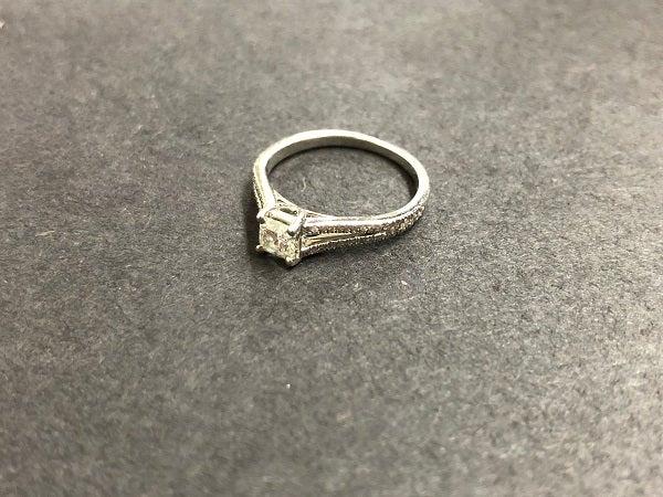ティファニーのルシダ ダイヤバンドリング 0.33ctの買取実績です。