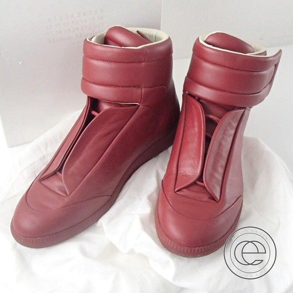 メゾンマルジェラ(Maison Margiela)の赤色のスニーカーを今回お買取り致しました。