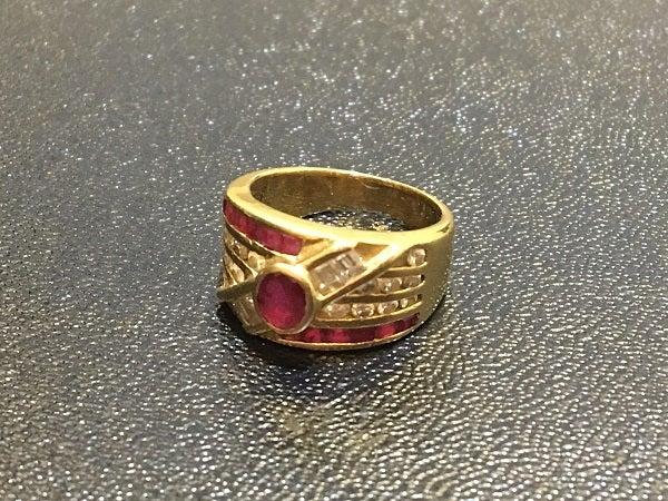 ルビーのルビー0.72 ダイヤ0.72 指輪の買取実績です。
