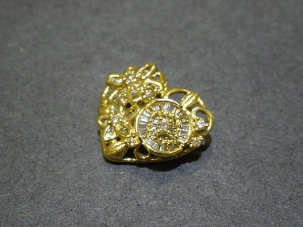 ダイヤモンドのK18 メレダイヤ ハートシェイプトップの買取実績です。