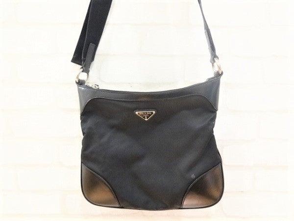 エコスタイル銀座本店にてプラダ(PRADA)のレザー×ナイロンショルダーバッグを買取致しました。