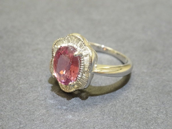 サファイアのK18WG パパラチア ダイヤモンド リングの買取実績です。
