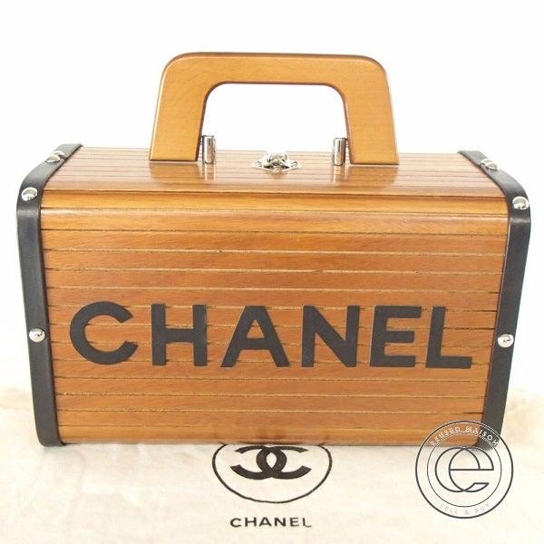 シャネル(CHANEL)のヴィンテージウッドバニティバッグを買取致しました。