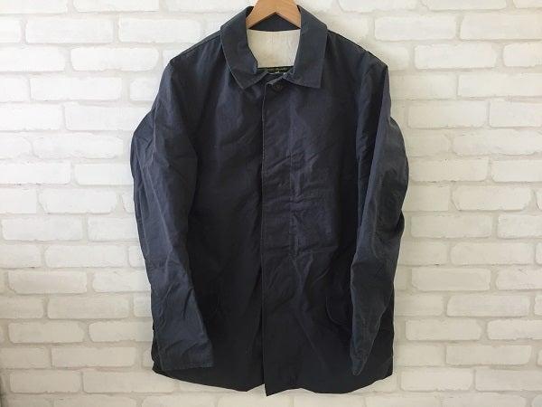 ポールハーデンのステンカラーマックコート(一部汚れあり)を買取しました。|宅配買取ならエコスタイル