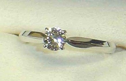 2743のミキモト ダイヤモンドリングの買取実績です。